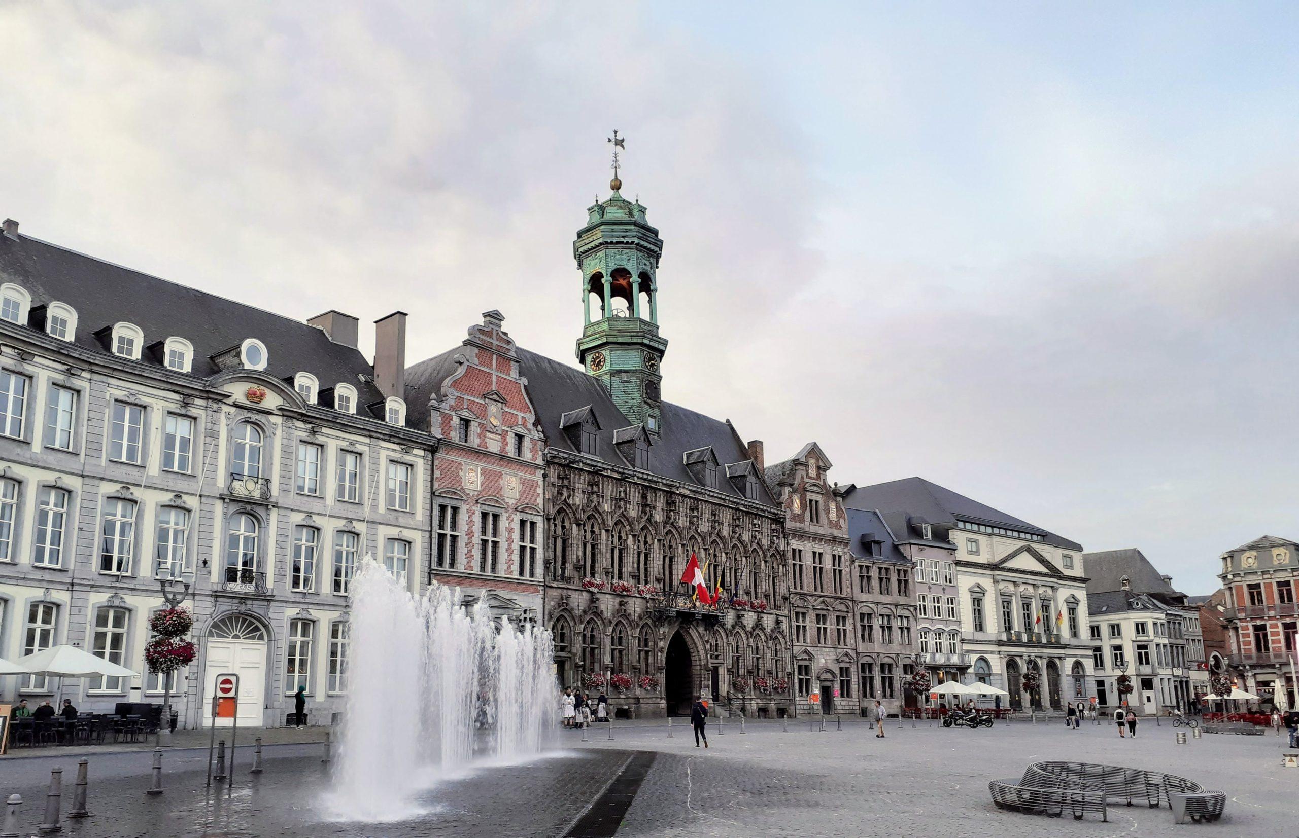 Mons: Débats avant l'heure sur l'agenda du conseil
